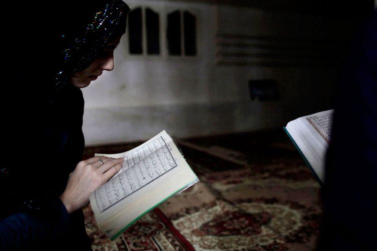 manfaat membaca Alquran tiap hari