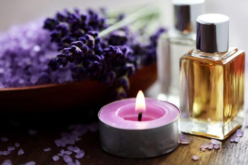 mengusir nyamuk dengan lilin lavender