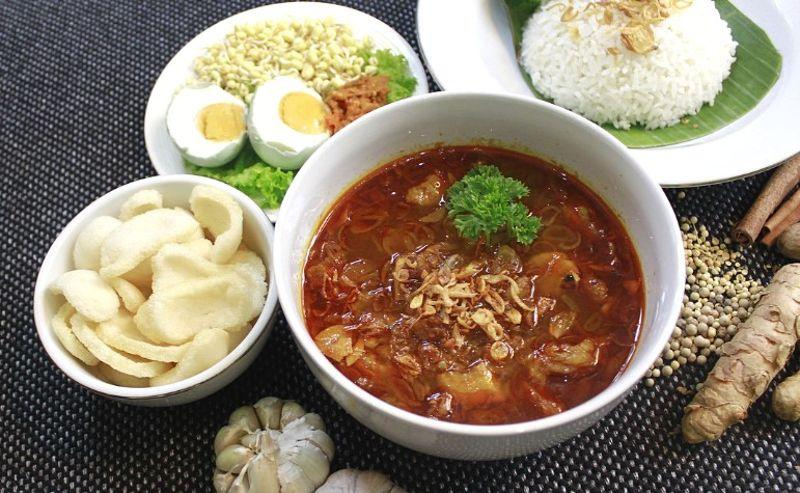 makanan khas Surabaya pedas
