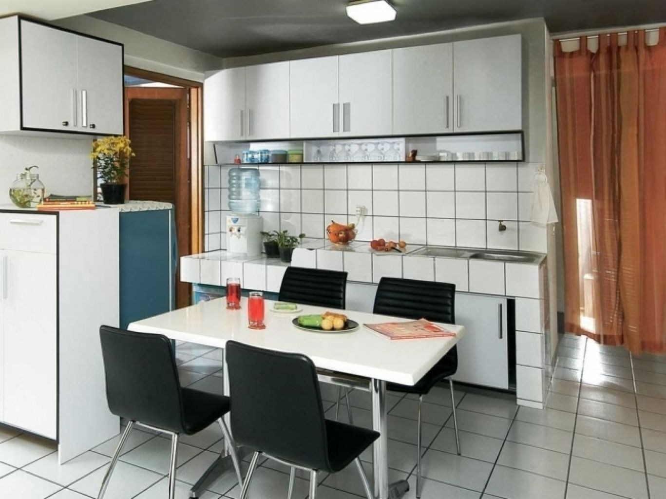 Dapur Dengan Ruang Makan Minimalis Bagi In Com